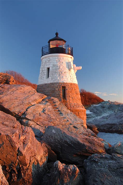 Photo 378-03: Castle Hill Lighthouse at sunset