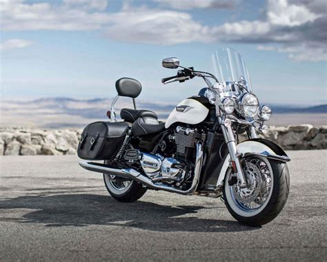 2018 Triumph Thunderbird LT Review • TotalMotorcycle