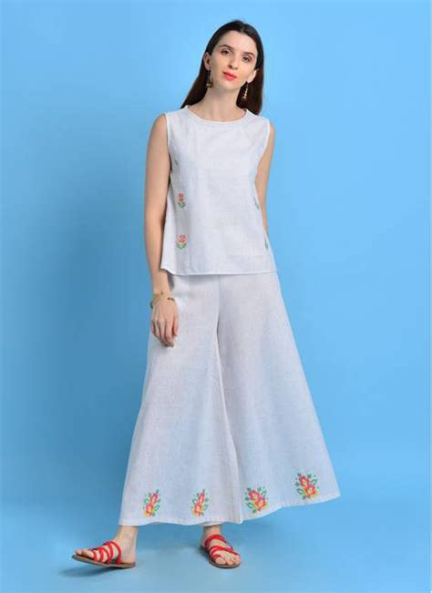 Buy Sui Dhaga - Wishful White Color Flared Top With Cross