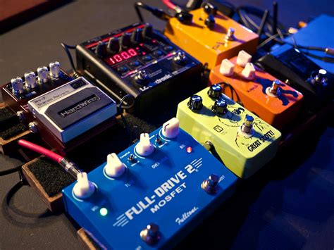 Electric guitar rig for worship music - Worship Tutorials